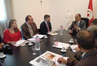 زيارة وفد خبراء من السفارة الأمريكية